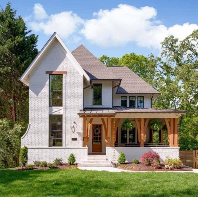 Cute Farmhouse Exterior Design Ideas That Inspire You 21