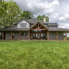 Cute Farmhouse Exterior Design Ideas That Inspire You 29