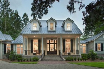 Cute Farmhouse Exterior Design Ideas That Inspire You 37