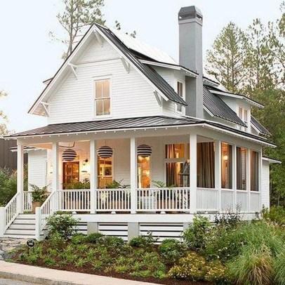 Cute Farmhouse Exterior Design Ideas That Inspire You 38