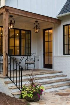 Cute Farmhouse Exterior Design Ideas That Inspire You 40