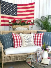 Impressive Farmhouse Decor Ideas That Suitable For Summer 44