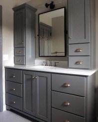Wonderful Single Vanity Bathroom Design Ideas To Try 19
