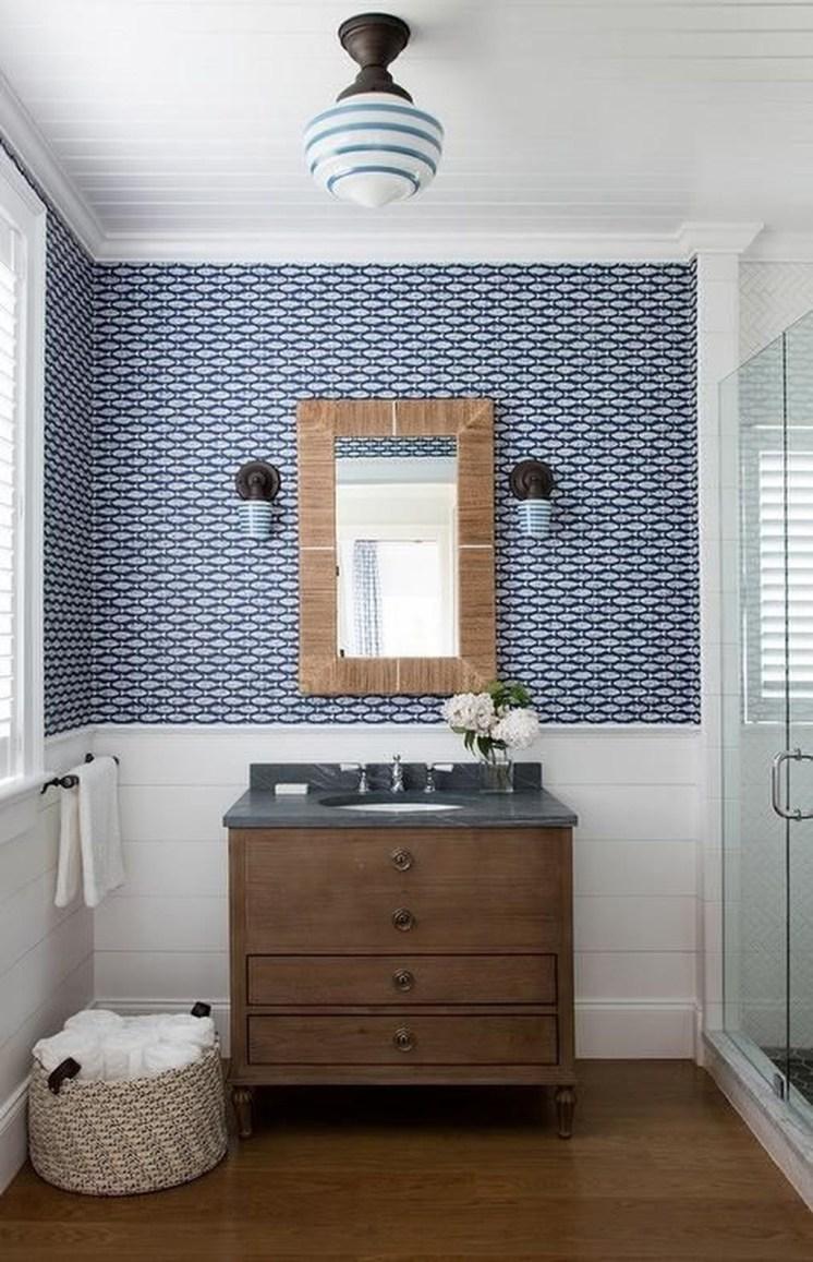 Wonderful Single Vanity Bathroom Design Ideas To Try 21