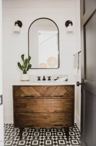 Wonderful Single Vanity Bathroom Design Ideas To Try 51