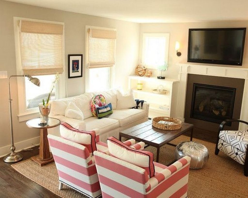 Gorgeous Cabinet Design Ideas For Small Living Room13