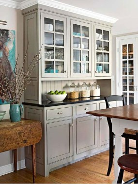 Gorgeous Dining Room Hutch Décor Ideas28