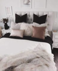 Totally Inspiring Inexpensive Bedroom Décor Ideas04