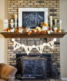 Adorable Fall Home Decor Ideas With Farmhouse Style09