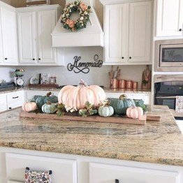 Adorable Fall Home Decor Ideas With Farmhouse Style32