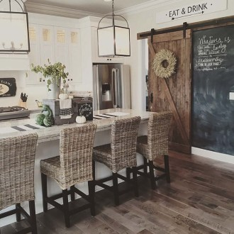 Adorable Fall Home Decor Ideas With Farmhouse Style39