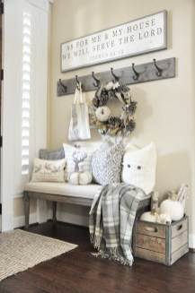 Adorable Fall Home Decor Ideas With Farmhouse Style42