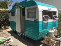 Adorable Vintage Travel Trailers Remodel Ideas06