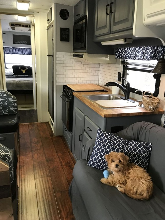 Adorable Vintage Travel Trailers Remodel Ideas08