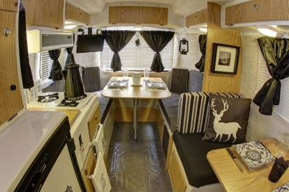Adorable Vintage Travel Trailers Remodel Ideas14