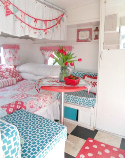 Adorable Vintage Travel Trailers Remodel Ideas22