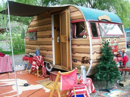 Adorable Vintage Travel Trailers Remodel Ideas29