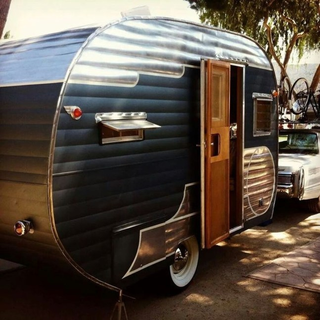 Adorable Vintage Travel Trailers Remodel Ideas34
