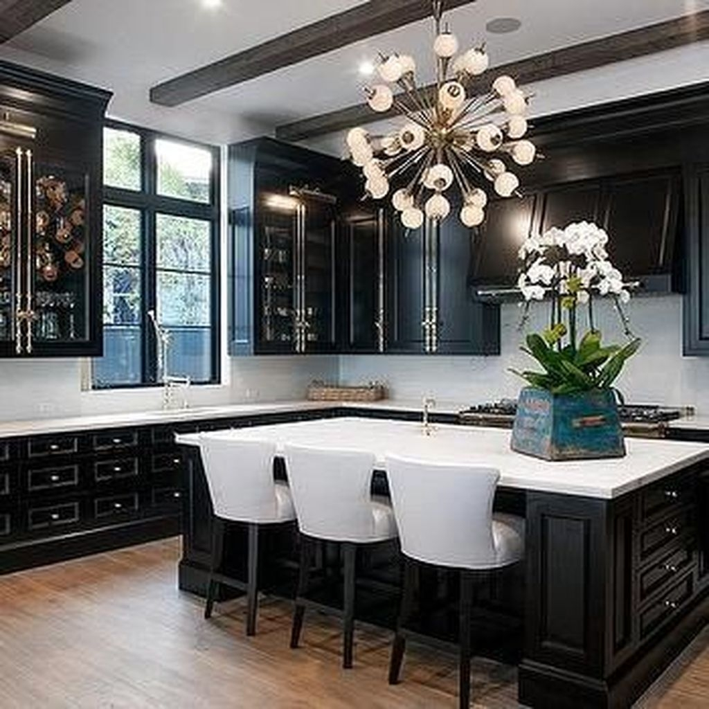 Affordable Black And White Kitchen Cabinets Ideas13