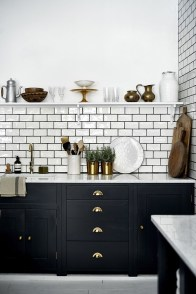 Affordable Black And White Kitchen Cabinets Ideas36