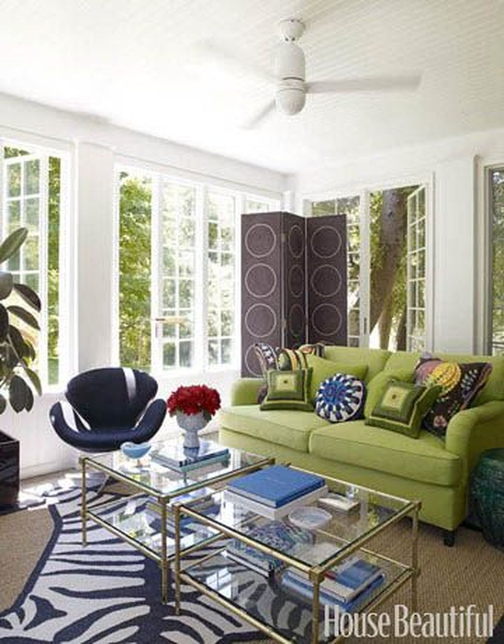 Awesome Glass Coffee Tables Ideas For Small Living Room Design35