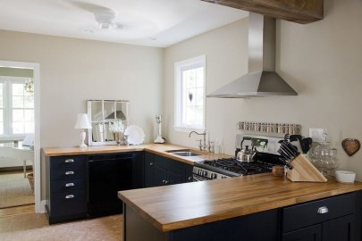 Best Ideas For Black Cabinets In Kitchen44