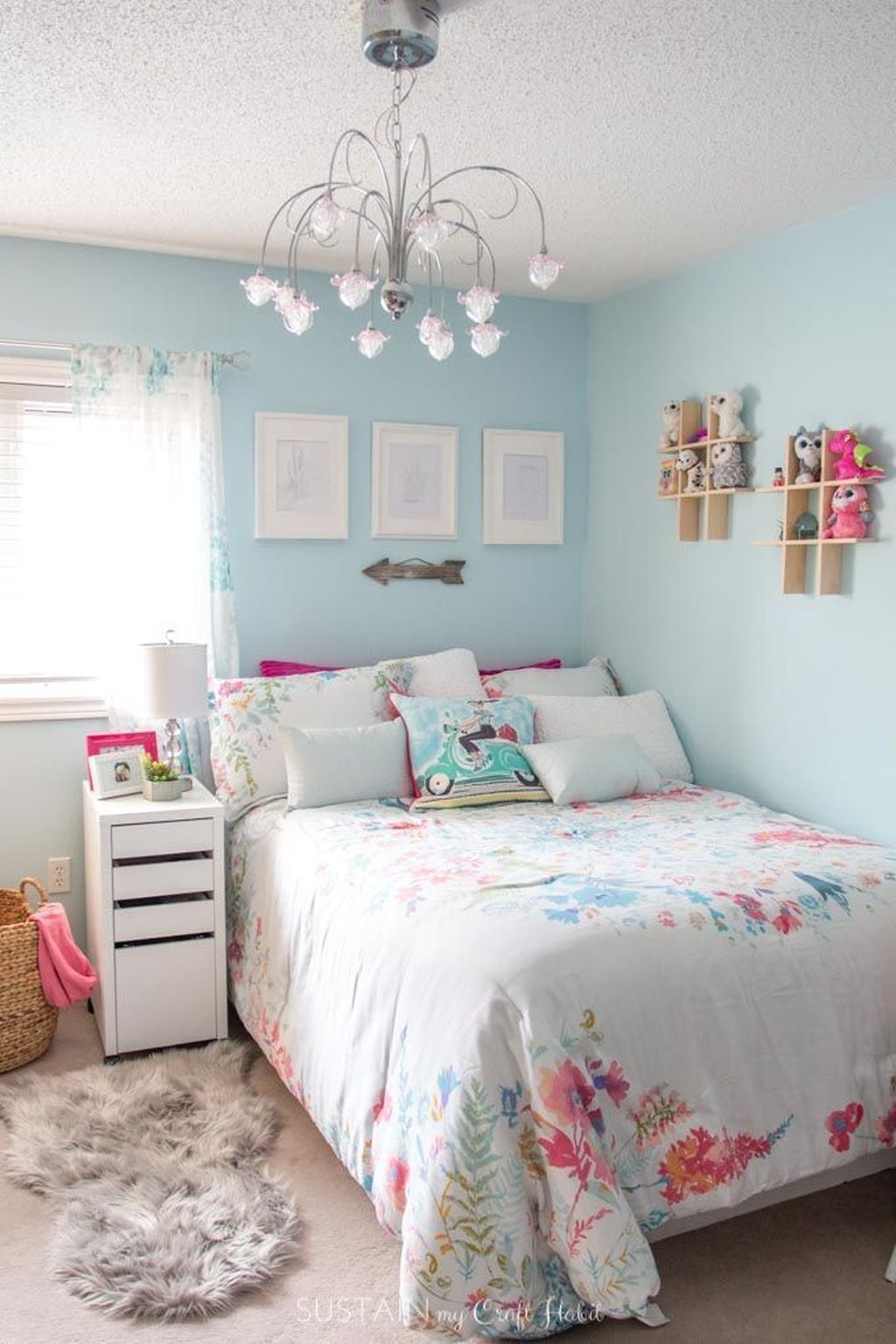 Cute Small Teen Bedroom Ideas16