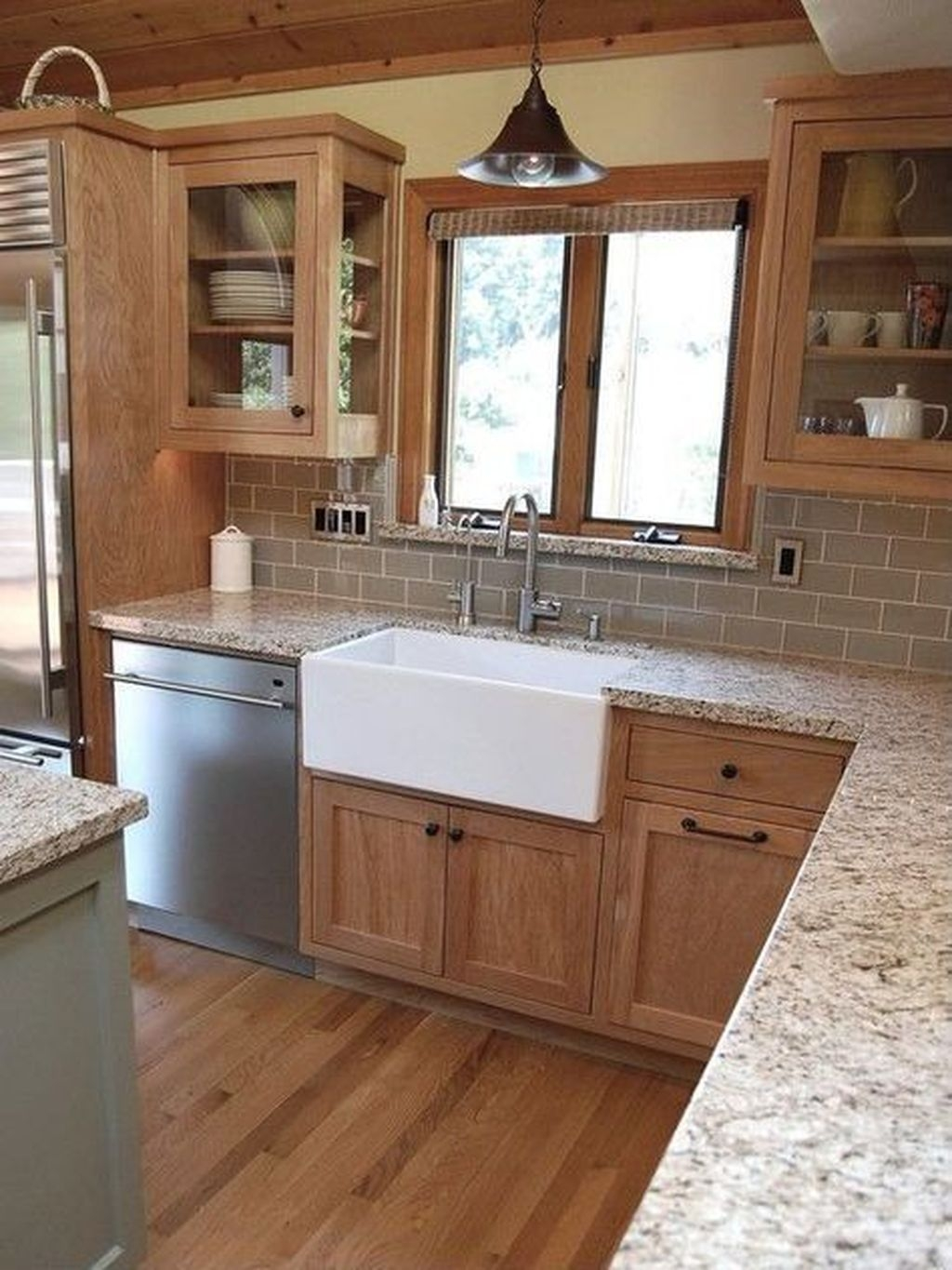 Modern Farmhouse Kitchen Cabinet Makeover Design Ideas35