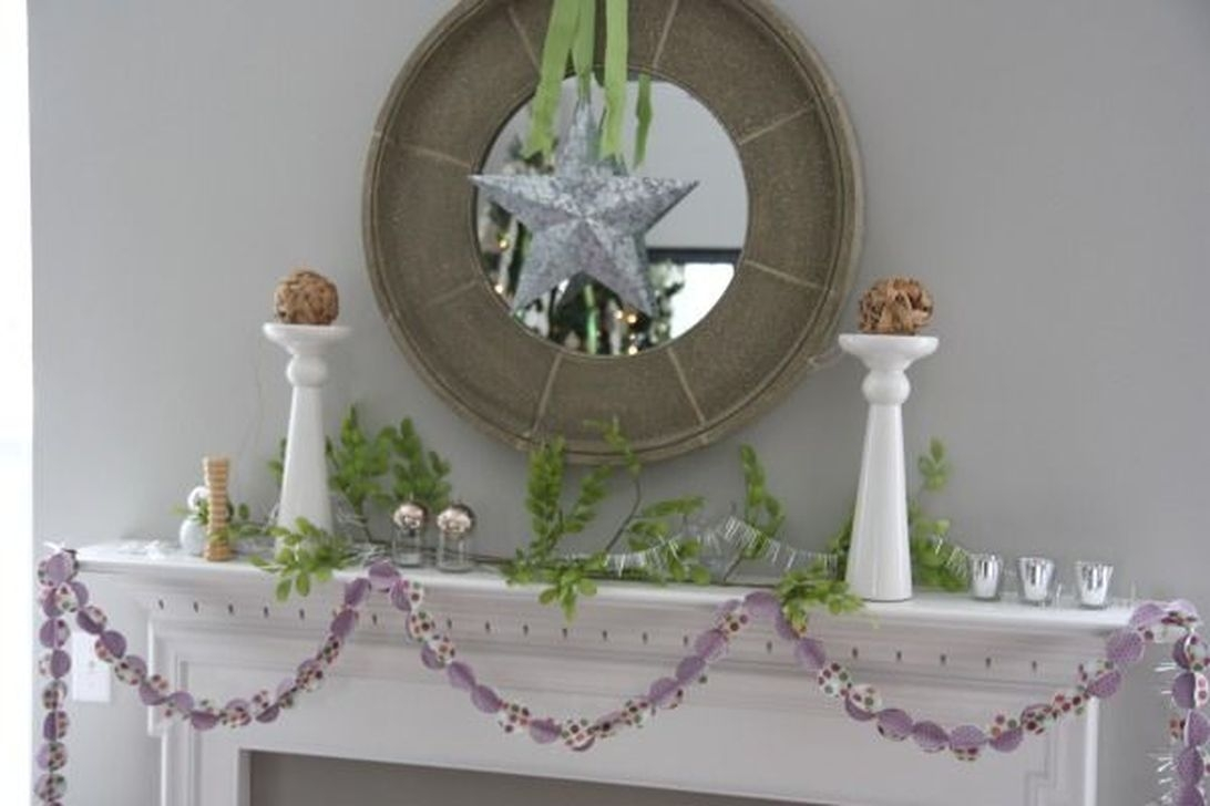 Best Ways To Decorate Your Circle Mirror With Garland08