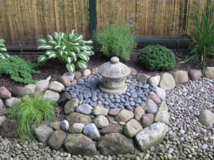Cool Front Yard Rock Garden Ideas19