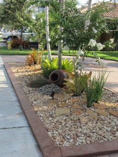 Cool Front Yard Rock Garden Ideas35