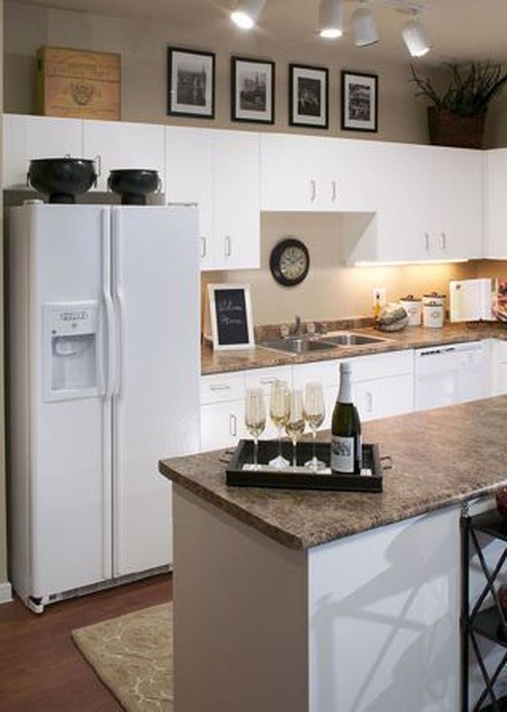 Cool Small Apartment Kitchen Ideas09