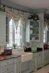 Fascinating Flying Crown Molding Ideas05