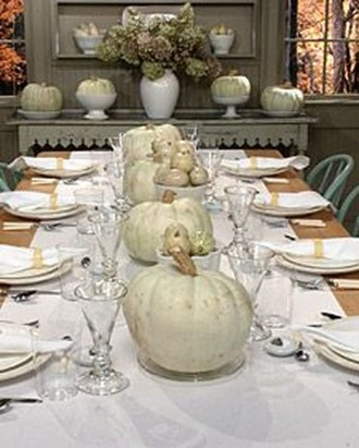 Lovely White And Orange Pumpkin Centerpieces For Fall And Halloween Table10