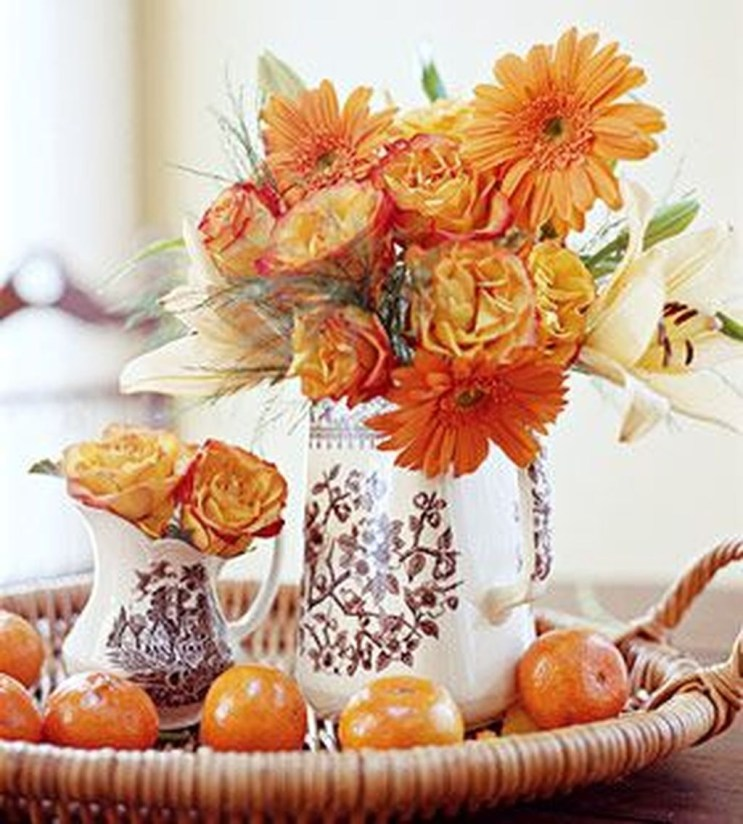 Lovely White And Orange Pumpkin Centerpieces For Fall And Halloween Table18