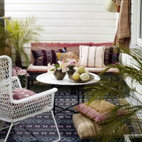 Perfect Diy Seating Incorporating Into Wall For Your Outdoor Space29