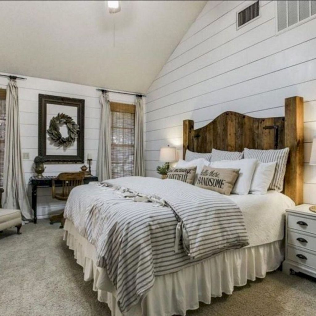 Amazing Farmhouse Style For Cozy Bedroom Decorating Ideas14