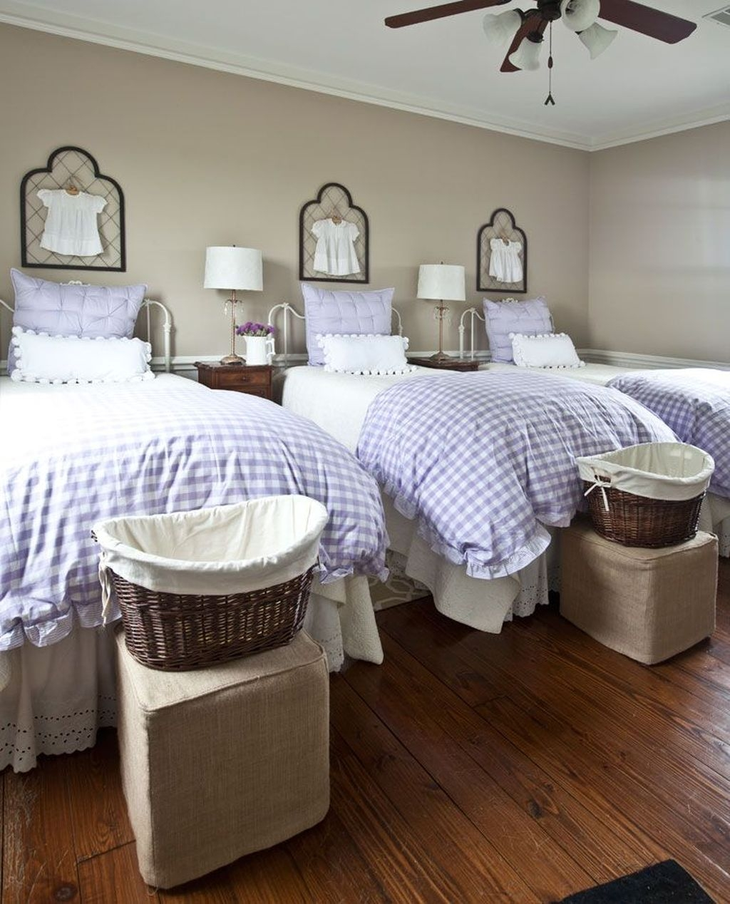 Amazing Farmhouse Style For Cozy Bedroom Decorating Ideas29