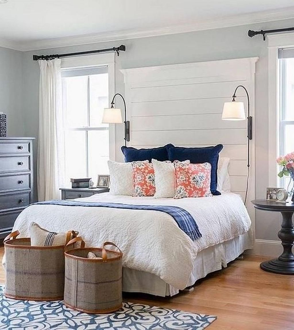 Amazing Farmhouse Style For Cozy Bedroom Decorating Ideas36