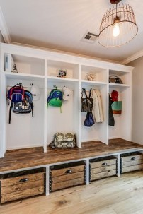 Beautiful Farmhouse Mudroom Remodel Ideas35