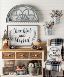 Charming Home Fall Decorating Ideas With Farmhouse Style14