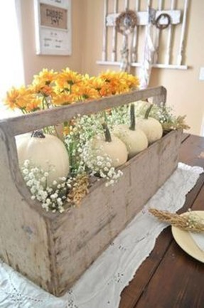 Charming Home Fall Decorating Ideas With Farmhouse Style17