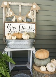 Charming Home Fall Decorating Ideas With Farmhouse Style29