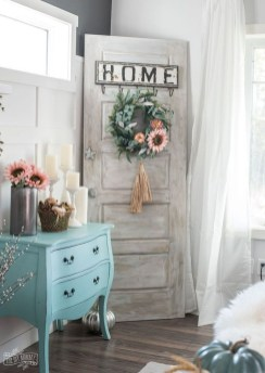 Charming Home Fall Decorating Ideas With Farmhouse Style40