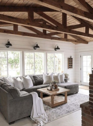 Comfy Farmhouse Living Room Decor And Design Ideas17