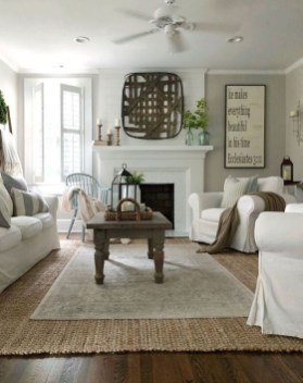 Comfy Farmhouse Living Room Decor And Design Ideas35