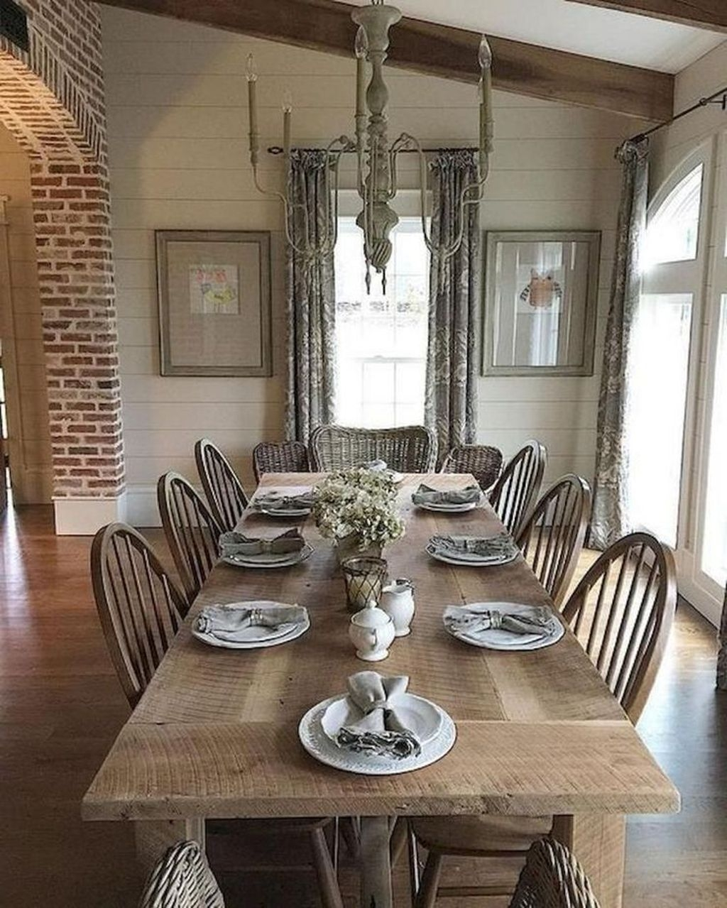 Elegant Farmhouse Dining Room Design Ideas36