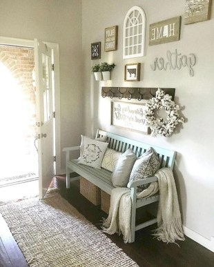 Pretty Farmhuose Entryway Design And Decor Ideas33