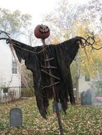 Stunning Diy Outdoor Halloween Decor And Design Ideas12