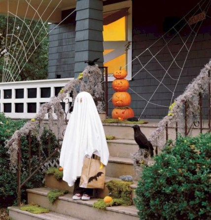 Stunning Diy Outdoor Halloween Decor And Design Ideas36
